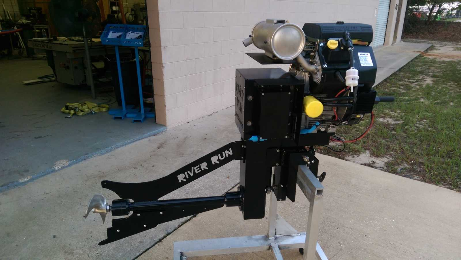 7 HP River Run Surface Drive Outboard Mud Motor .